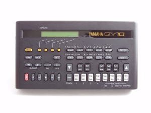 Yamaha QY-10 Portable Sequencer