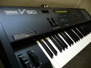Yamaha V50 Digital Synthesizer