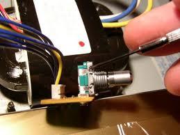 Roland GP-100 Jittery Knob Fix 1