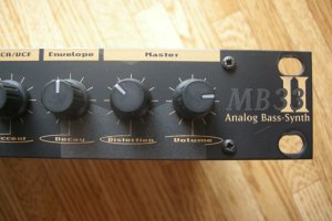 MAM MB33mkII Bass Synth