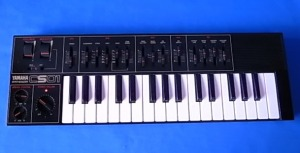 Yamaha CS01 Synthesizer