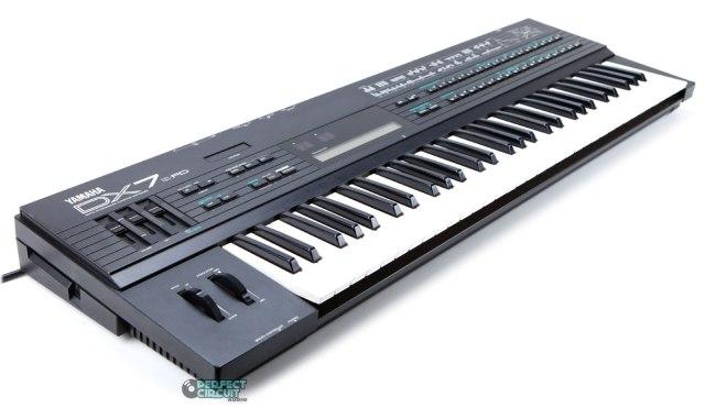 Yamaha DX7IIFD FM Synthseizer