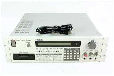 Akai S900 Sampler
